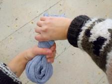 wring gesture_ari_small
